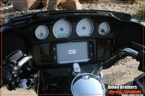 2014-harley-davidson-boom-audio-screen